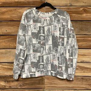 Marilyn Monroe black & white sweatshirt photos